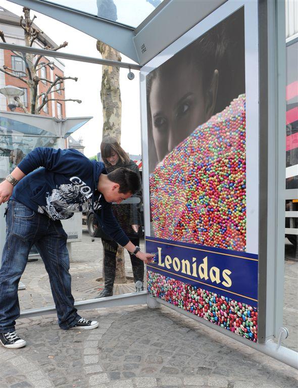 Innovate Leonias Дегустация новинок на автобусной остановке