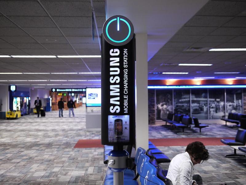 all you need is elettricità Зарядные станции в аэропорту, актуально как никогда